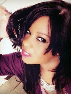 Yva, black
