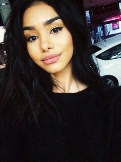 Lucia, black